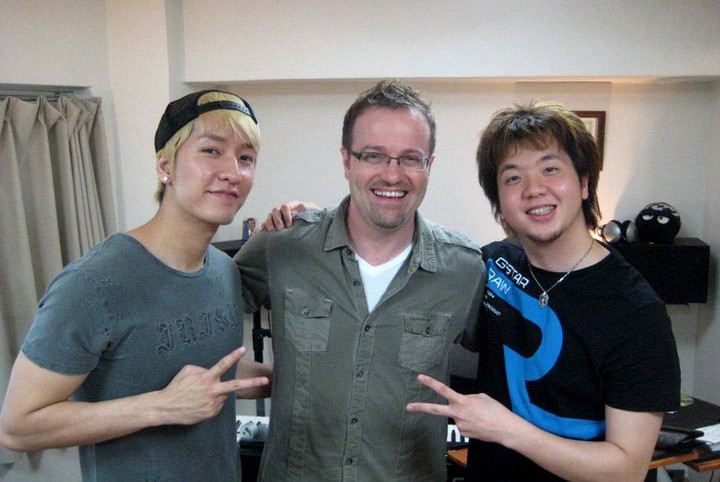 g7_2Teaching pop star Keita (of W-inds) at Hiroki Sakurada's voice studio